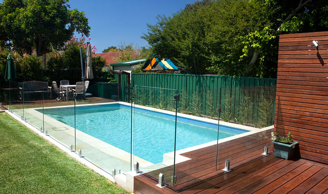 Frameless glass pool fencing - Sydney contemporary-pool
