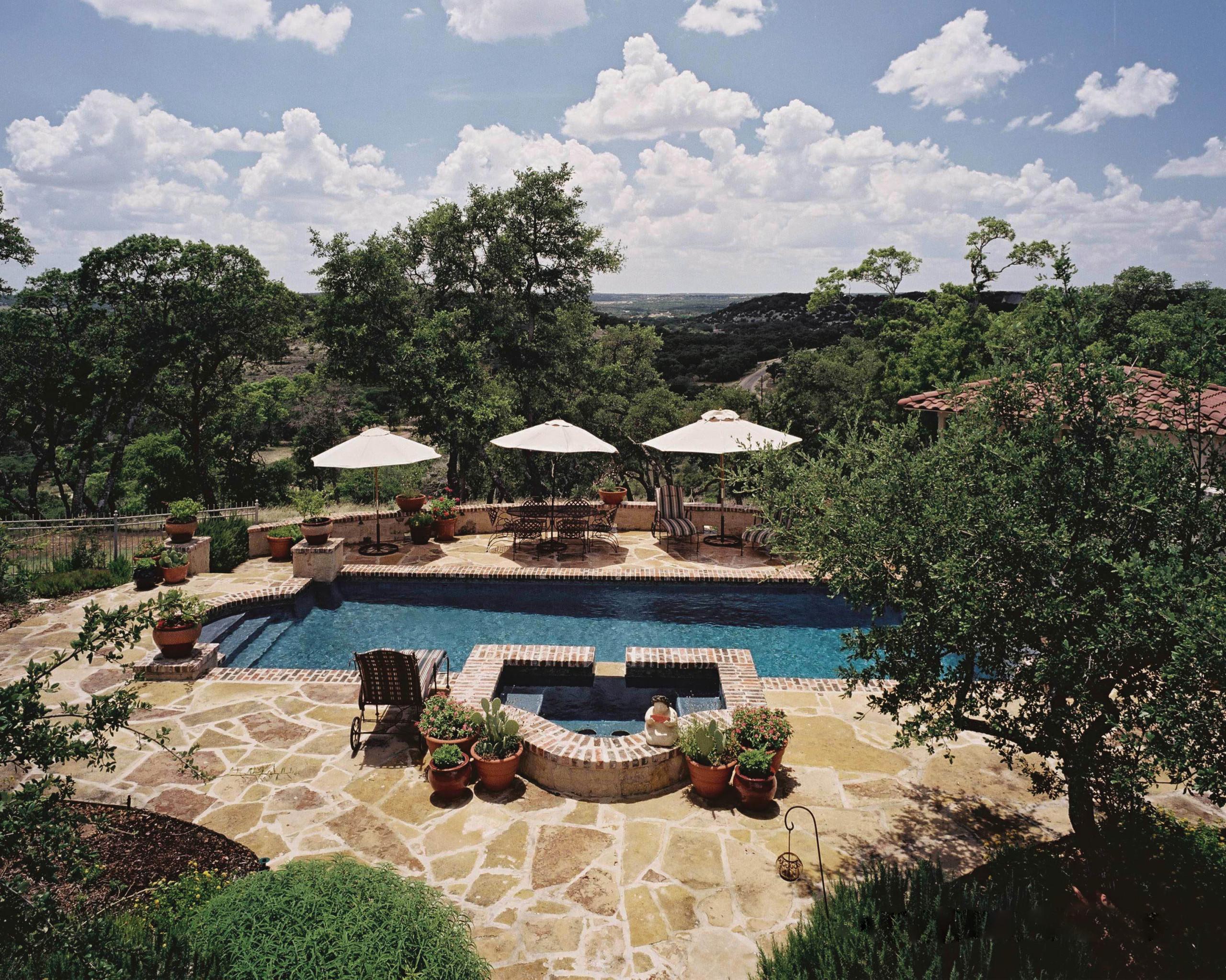 Fredericksburg Classic Rustic Formal Pool/Spa/OutdoorLiving