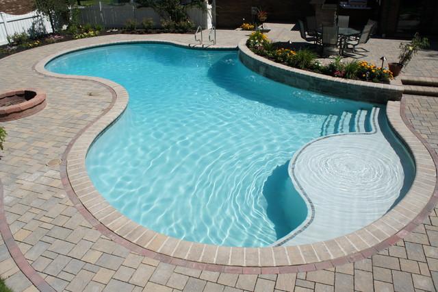 Freeform gunite pool with raised wall - Gunite swimming pool designs ...