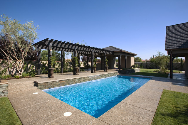 French Country traditional-pool
