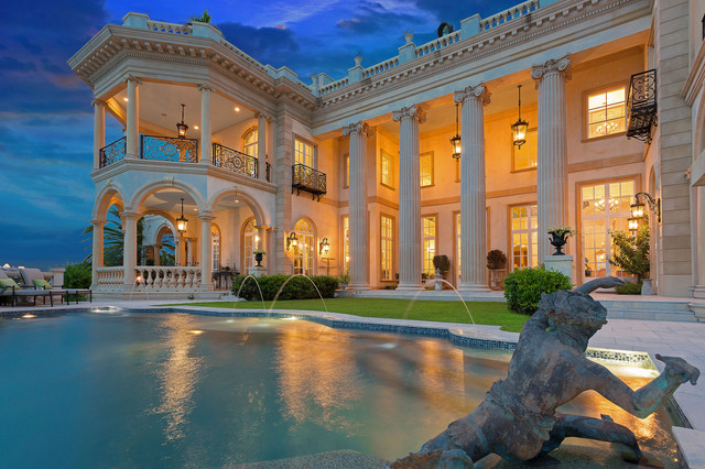 Example of a tuscan pool design in Tampa