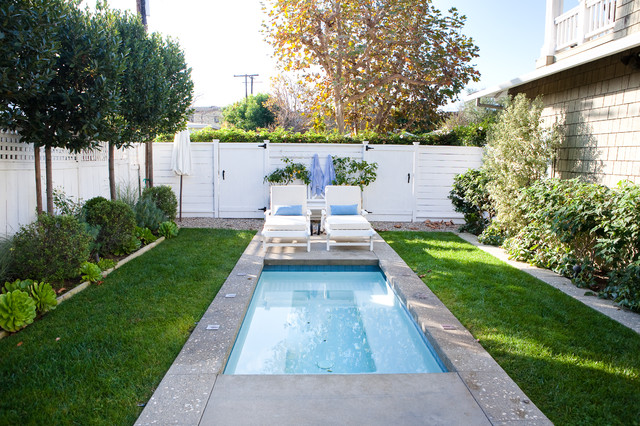 Example Of A Small Classic Backyard Pool Design In Los Angeles