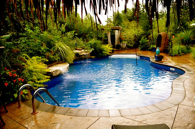 Garden design tropical pool toronto by beenu for Pool and backyard design