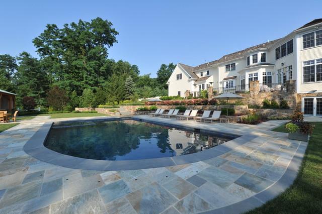 Gladstone, NJ traditional-pool