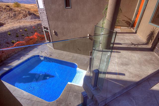 Grande Vista Short Post Systems contemporary-pool