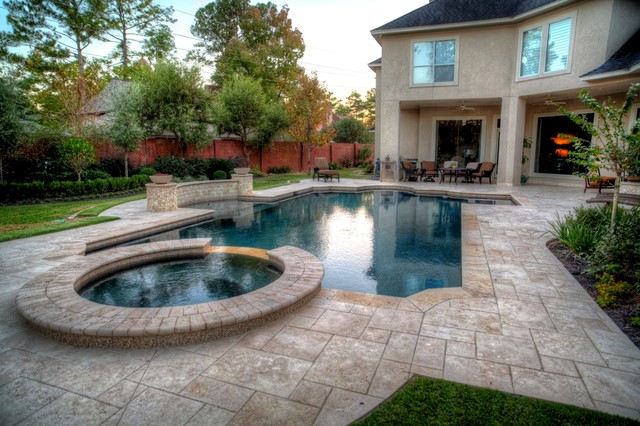 Grecian roman style pool 2 with spa leh contemporary for Grecian swimming pool