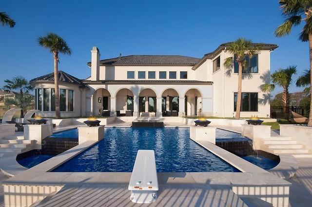 Guido Custom Homes, Inc contemporary-pool