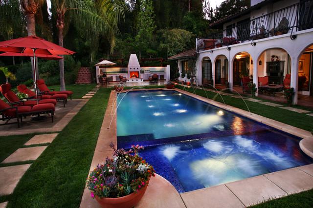 Hacienda del jard n by gary madison pool garden design for Jardin madison