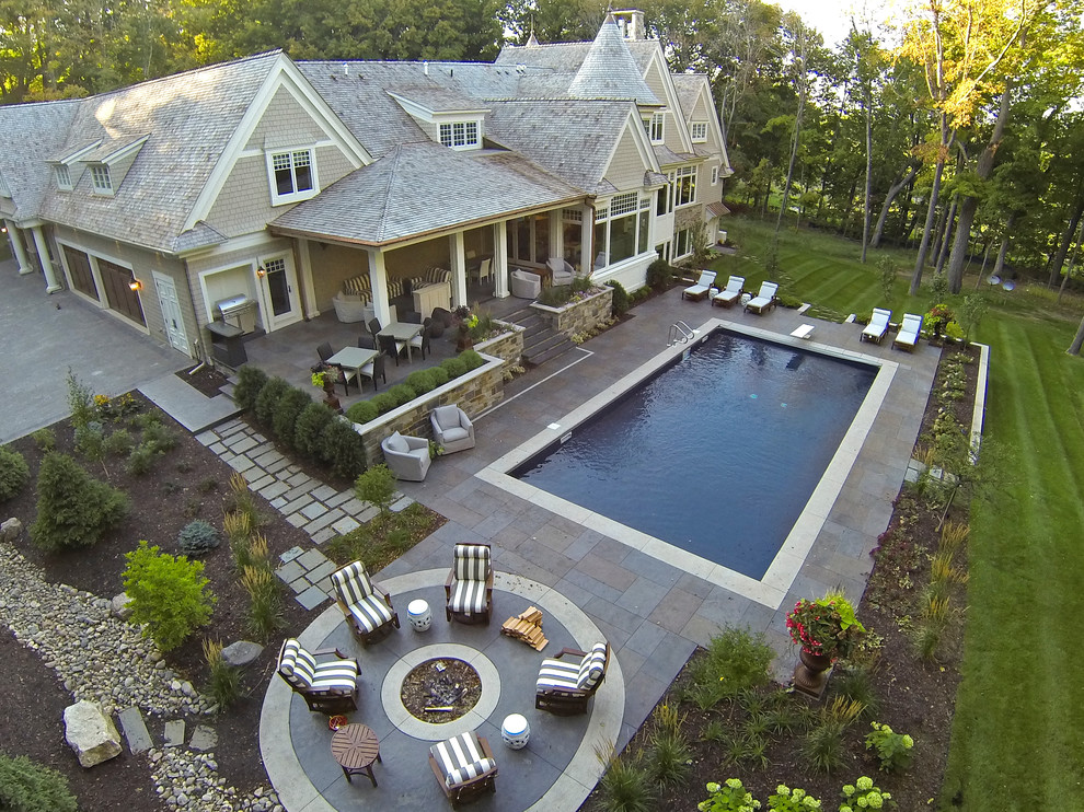 Example of a classic pool design in Minneapolis