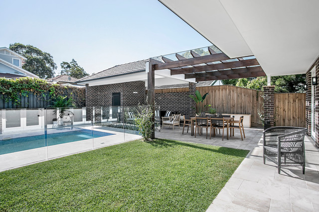 Hamptons meets Luxe Federation transitional-pool