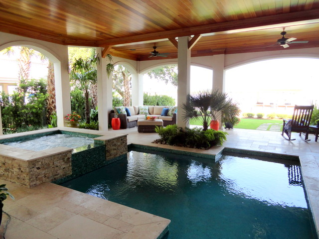 Harbor Waterfront Home traditional-pool