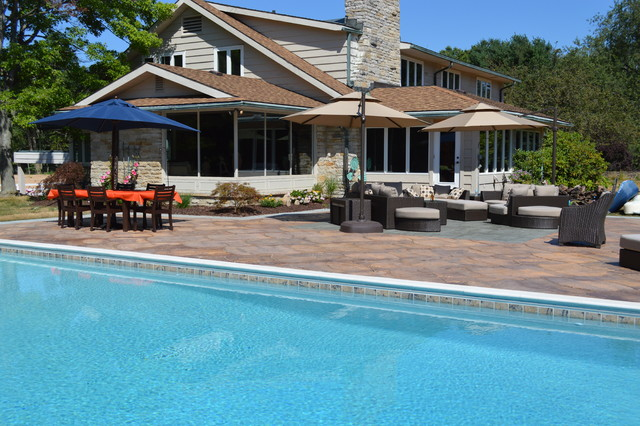 Hardscapes and Landscapes traditional-pool