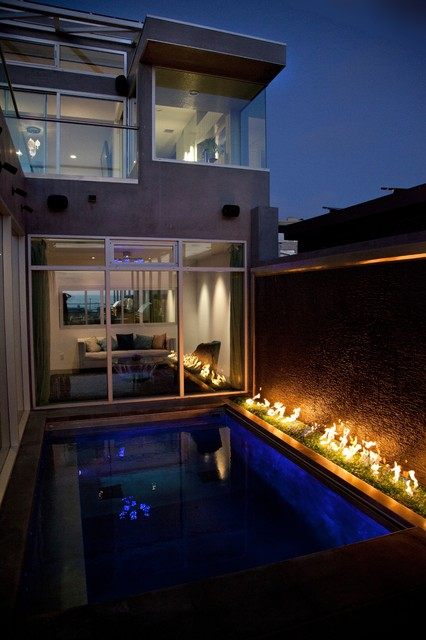 Hermosa House contemporary pool