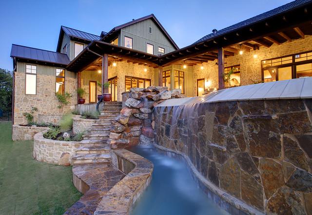 Hill Country Farmhouse farmhouse-pool
