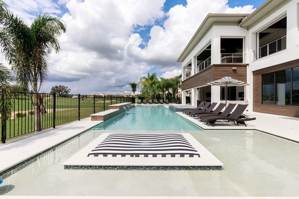 Example of a trendy pool design in Orlando
