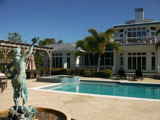 Home in Lychee Road, Sarasota traditional-pool