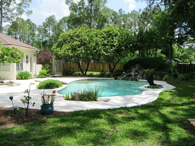 Homes Sold traditional-pool
