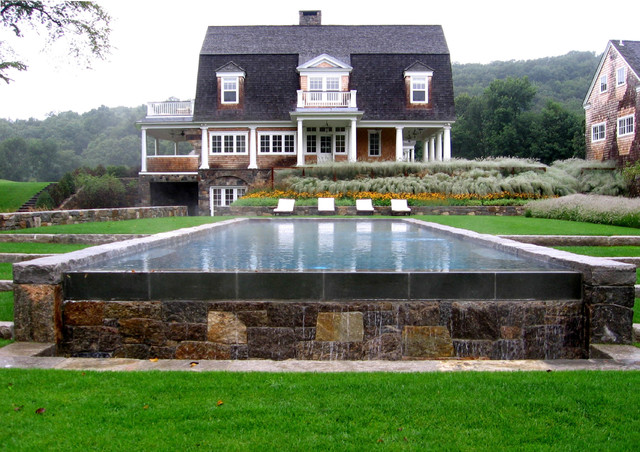 Horse Farm In Upstate New York Farmhouse pool