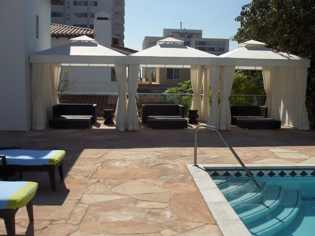 Hotel pool cabana traditional pool los angeles by for Outdoor pool cabana