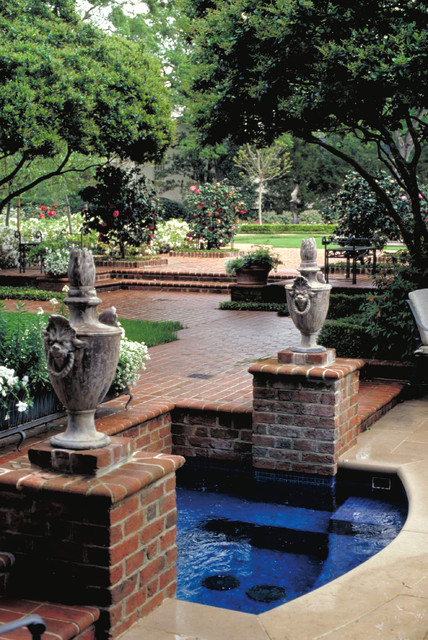 Houston Southern Estate traditional landscape