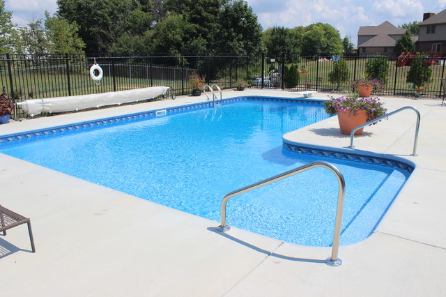 In Ground Vinyl Liner Swimming Pool Installations Modern Pool Indianapolis By Raft To