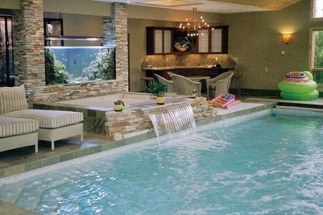Indoor Pool and Spa - Kolonialstil - Pools - Calgary - von ...