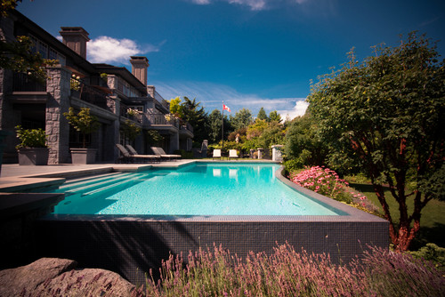 swimming_pools_in_Canada