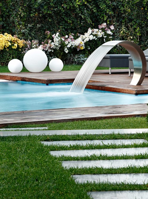 Pool design trends guide ideas inspiration pro tips for Pool design houzz