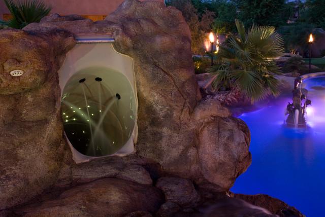 International TV Sensation (HGTV, Travel Channel) Tropical Pool