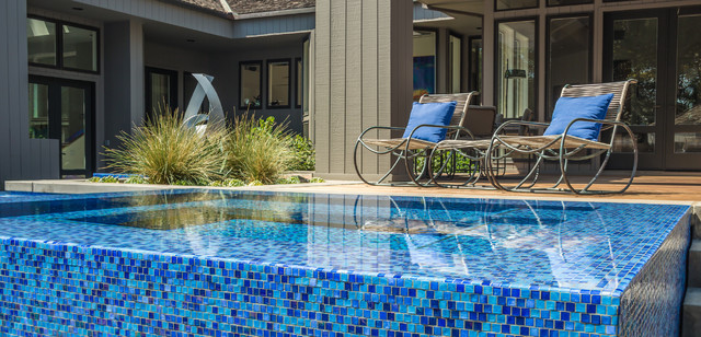 Iridescent glass tile pool and spa modern pool los for Terry pool design jewelry