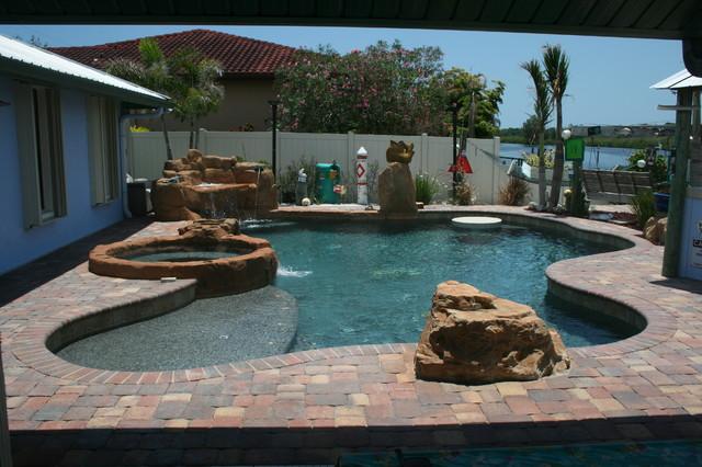 Jody tropical-pool
