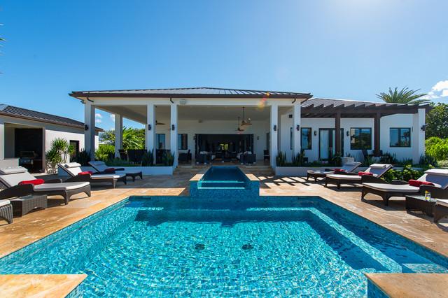 John Residence tropical-pool