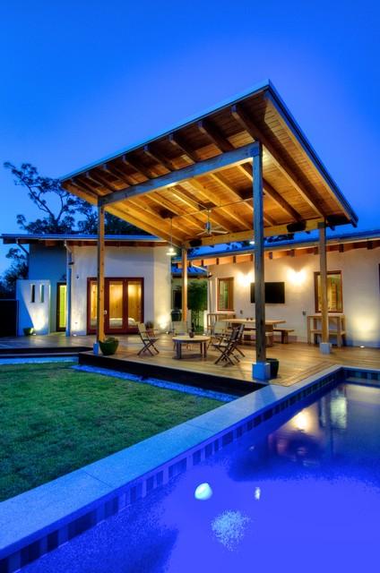 Josh Wynne Construction modern-pool
