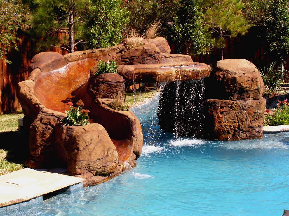 Inspiration for a rustic pool remodel in Dallas