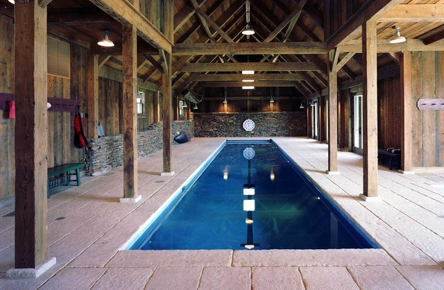 Kenner Residence traditional-pool