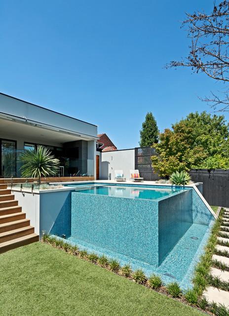 Kew Infinity Pool And Spa Modern Pool Melbourne By Neptune New Infinity Pool Backyard Minimalist