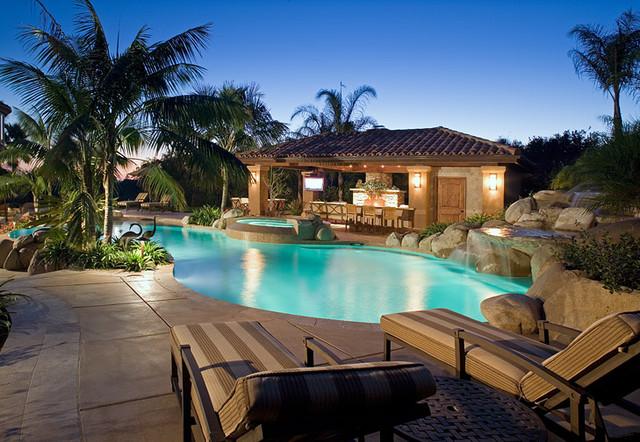 Kinsman Signature Home contemporary-pool