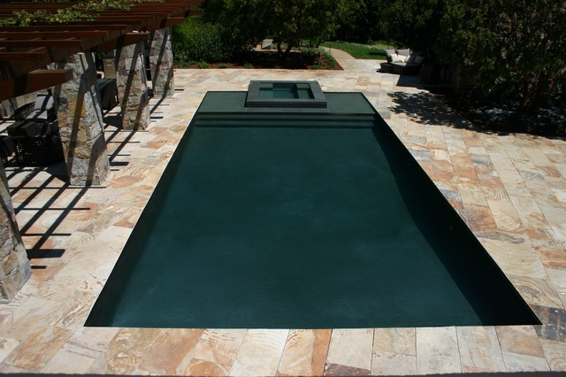 Knife edge perimeter overflow pool lautner edge for Overflow pool design