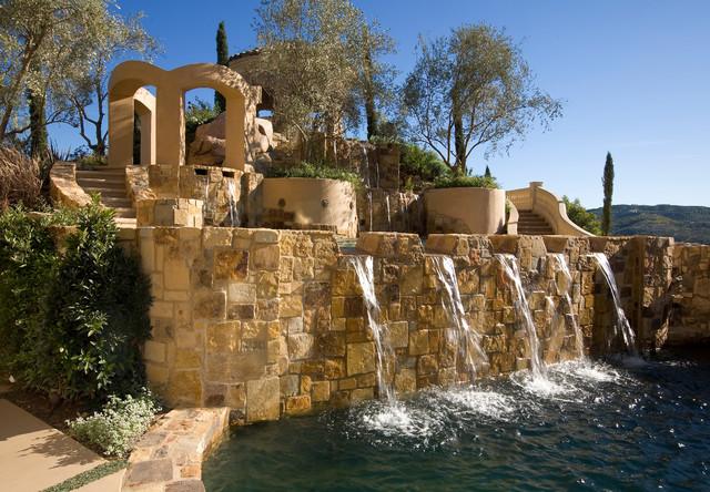 La Cresta Estate/ Landscape Design Specialists mediterranean-pool