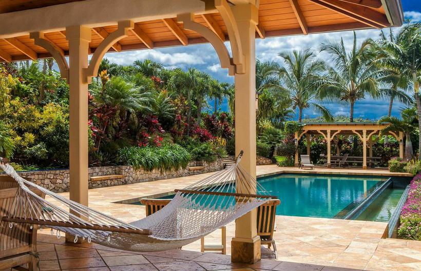 Laenani - Modern - Pool - Hawaii - by Maui Built Homes