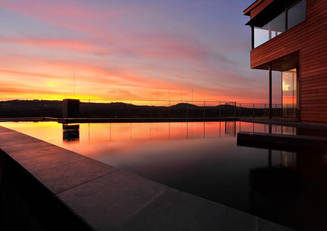 Lake Austin contemporary-pool
