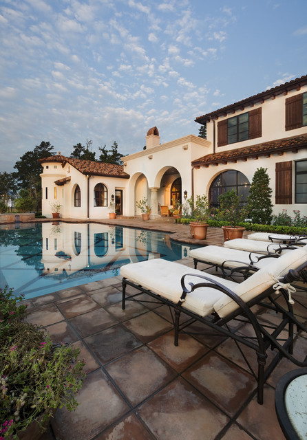 Lake Conroe Spanish mediterranean pool
