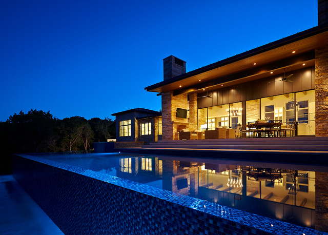 Lake travis lakehouse contemporary pool austin by shoberg custom homes for Westhill swimming pool phone number