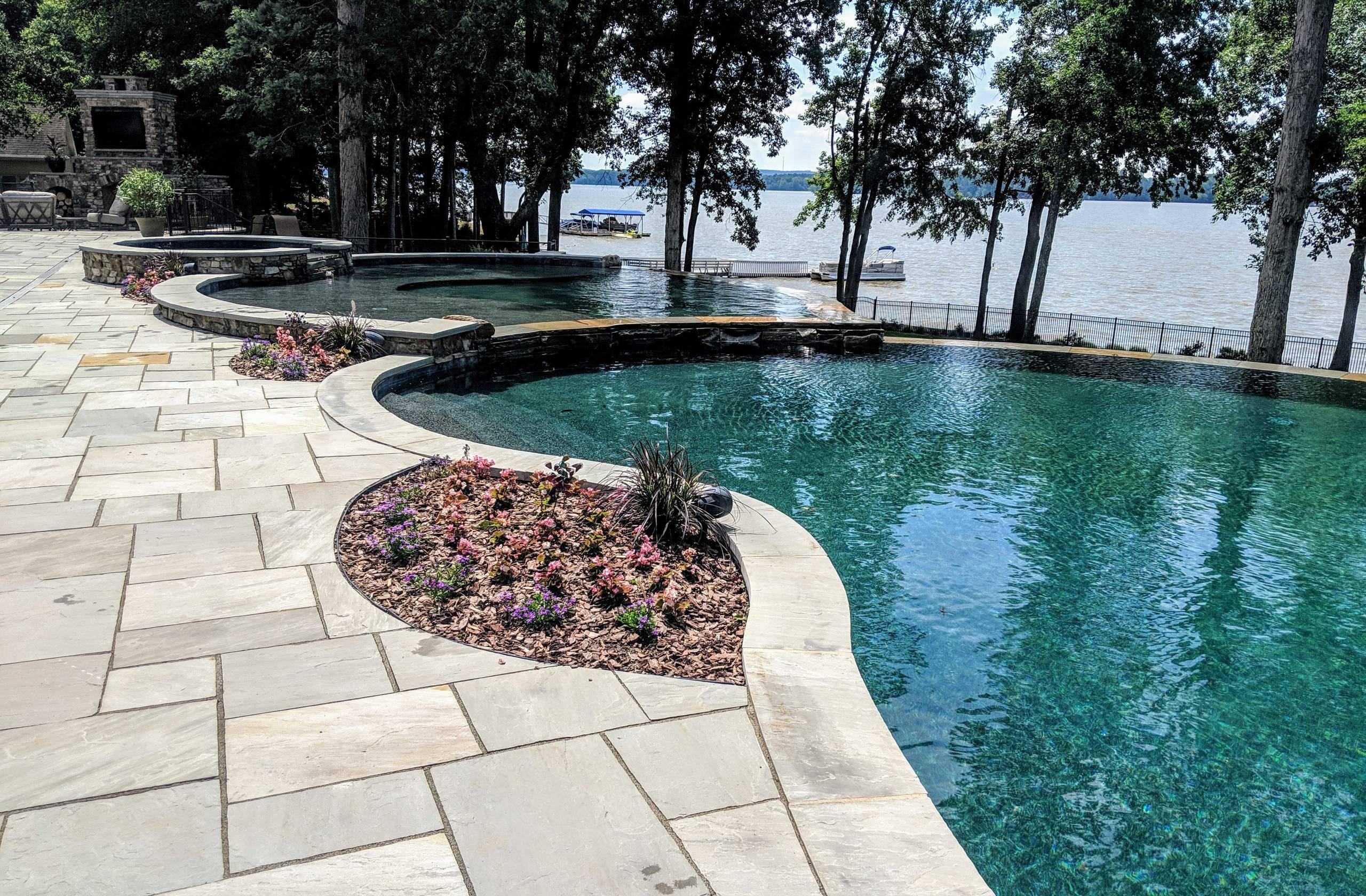Lakeside Luxury Vanishing Edge Pool