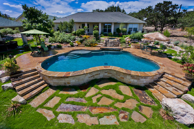 Land Design Tx traditional pool