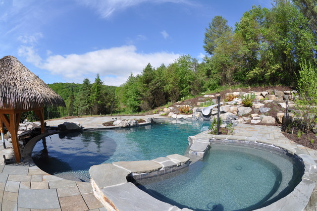 Large in ground swimming pool in rural pennsylvania for Swimming pools in philadelphia pa