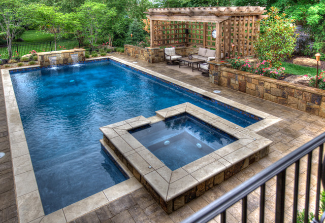 Leawood gunite pool spa combo traditional pool for Pool with jacuzzi designs