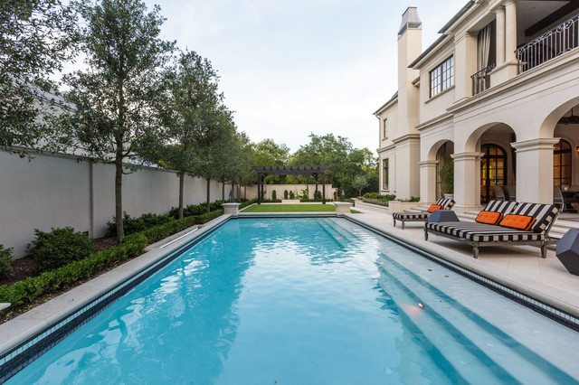 Lexington - Highland Park, Texas mediterranean-pool