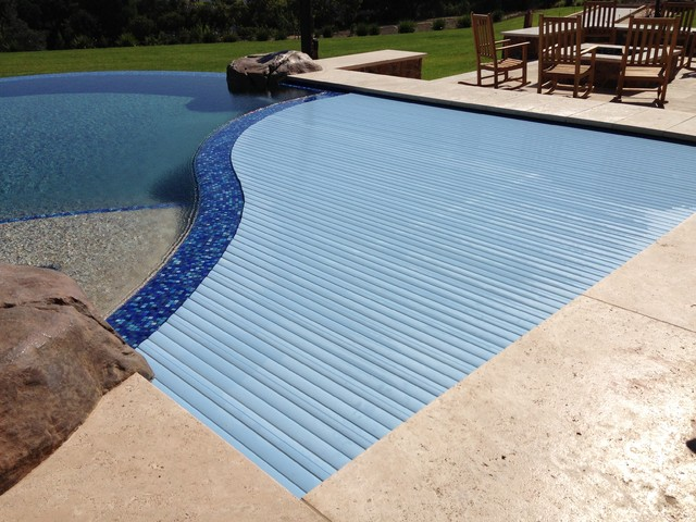 Los Altos Hydralux Automatic Swimming Pool Cover Beach Style Pool San Francisco By