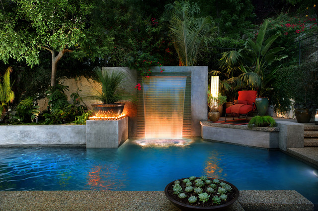 Los Angeles Modern Cascade Garden Pool designed by LUXE swimming